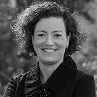 Dr.-Laura-Dinehart